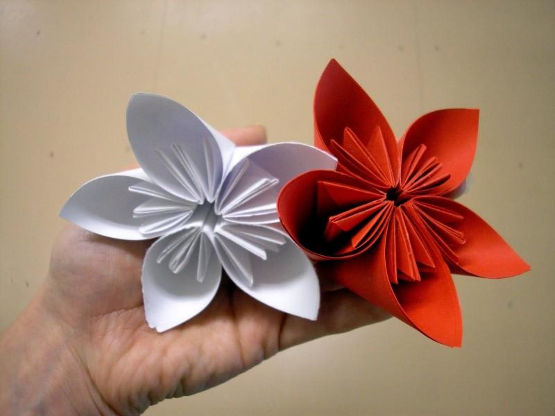 Игрушки из бумаги: Цветок